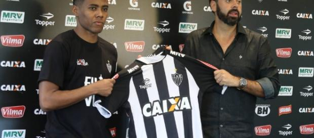 Elias chega ao Atlético-MG querendo títulos e volta à Seleção