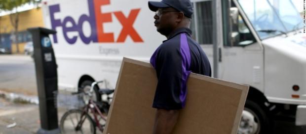 FedEx's new service - Fulfillment - takes aim at Amazon e-commerce network. / Photo from 'CNN' - cnn.com