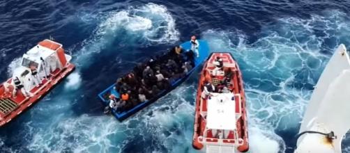 Operazione di soccorso a immigrati (Guardia costiera)