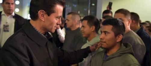 Recibe Peña Nieto a 135 repatriados de Estados Unidos | Publimetro ... - com.mx
