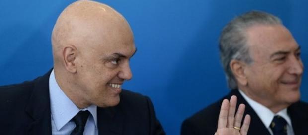 Alexandre de Moraes, ministro da Justiça, ao lado de Michel Temer