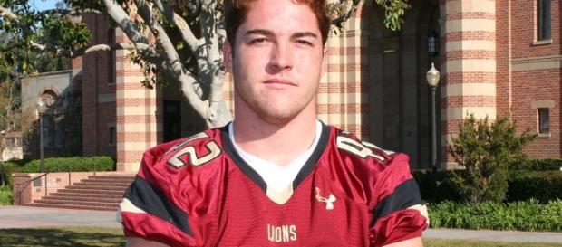 """Greg Biggins on Twitter: """"Oaks Christian '18 LB Bo Calvert goes in ... - twitter.com"""