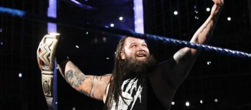 Bray Wyatt por fin consiguió su primer campeonato mundial completo. WWE.com