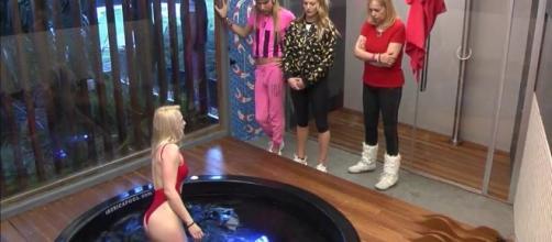 Daniela Blume le saca partido al jacuzzi en 'GH VIP' con su ... - telecinco.es