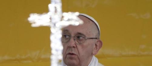Il Papa condanna i preti pedofili nella prefazione del libro di una vittima di costoro