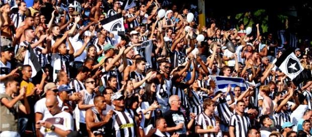 Botafogo x Flamengo: saiba como assistir ao jogo ao vivo na TV e na internet