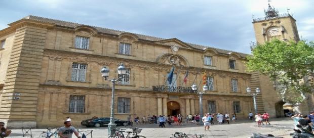 Mairie d'Aix-en-Provence en été