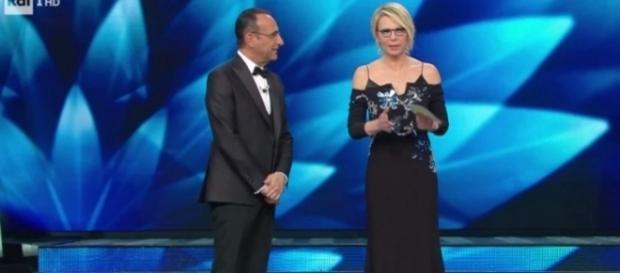 Maria De Filippi con il suo stile sobrio-elegante a Sanremo 2017