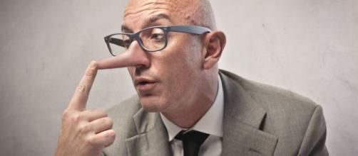 Aprenda a identificar um mentiroso