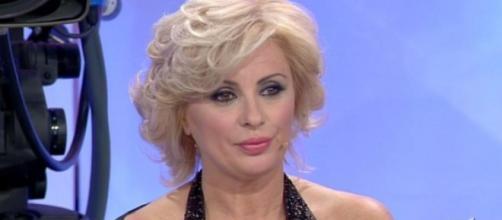 Uomini e Donne: Tina Cipollari conduttrice al posto di Maria De ... - melty.it