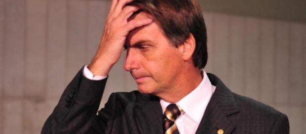 Bolsonaro diz que não teme processos e faz nova ofensa