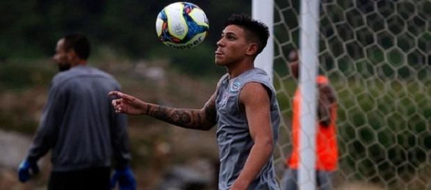 Pedro volta a treinar e estará no grupo que viaja ao Rio Grande do Norte para a estreia do Flu na Copa do Brasil (Foto: Nelson Perez/Divulgação FFC)