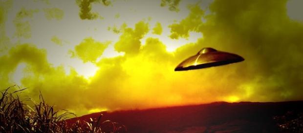 UFO Lands in Zimbabwe, Terrifies Entire School | Humans Are Free - humansarefree.com