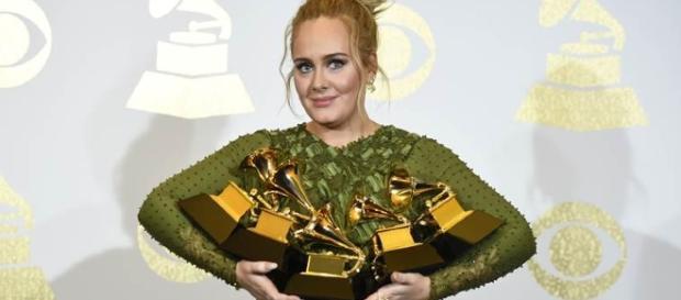 Vincitori Grammy Awards 2017, Adele mattatrice con 5 grammofonini conquistati