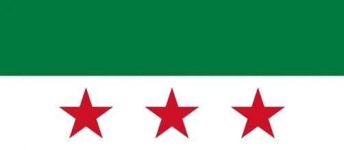 Bandera de la oposición siria al régimen islámico de Al-Assad