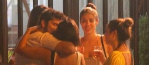 Bruno Gissoni beijando muito. Foto fonte Daniel Delmiro /AgNews.