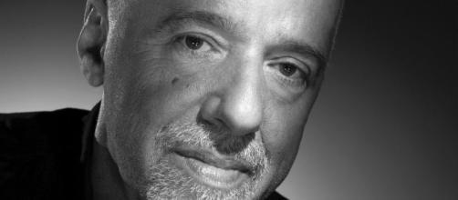 Confira 5 livros de Paulo Coelho que você pode gostar.