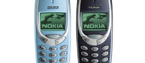 Due modelli del mitico Nokia 3310
