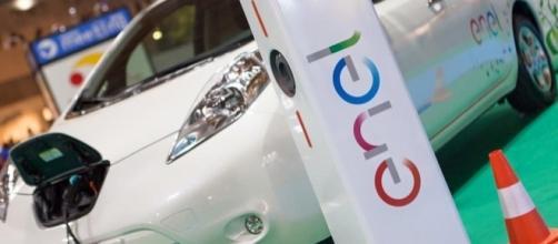 Enel: da aprile al via un progetto da 300 milioni di euro per la rete di ricarica delle auto elettriche.