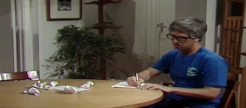 Fábio finalmente se enche de coragem e escreve uma carta se declarando para Jô