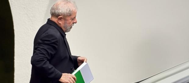 Estagiário queria habeas corpus preventivo para o ex-presidente Lula