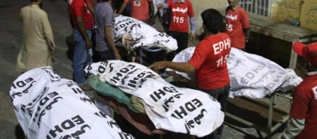 Islamic State claims Pakistan shrine attack that killed at least ... - eblnews.com