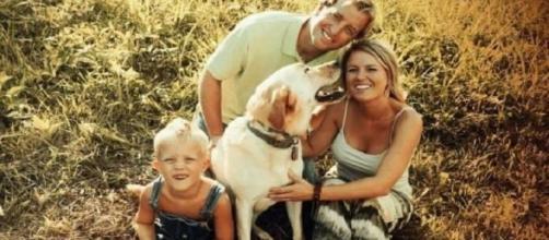 Dew e sua família na fazenda (Foto: Reprodução/Facebook/Dew´s Adventures)