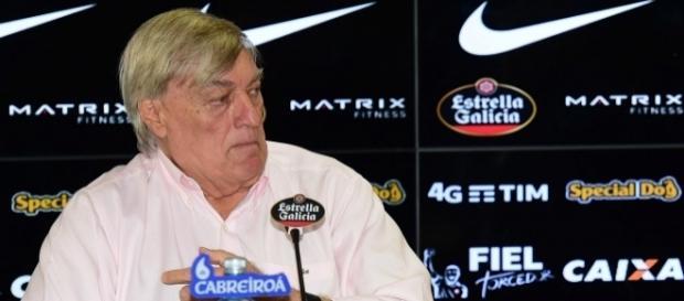 Flávio Adauto, diretor de futebol do Corinthians, é o responsável pelas novas contratações