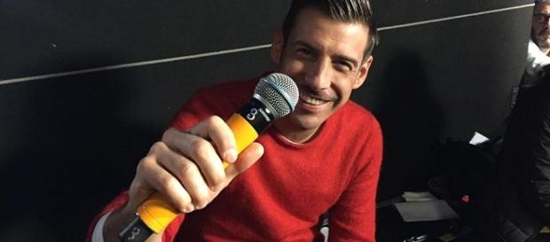 Francesco Gabbani continua a mietere successi con la sua 'Occidentali's Karma'.