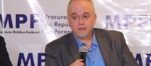 O procurador Carlos Fernando fala sobre a Lava Jato em 2017