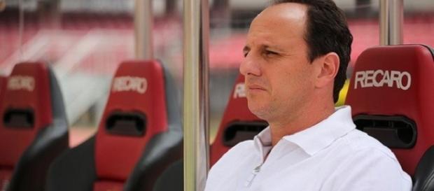 Rogério Ceni disputará seu primeiro clássico como treinador. Foto: Igor Amorim/saopaulofc.net