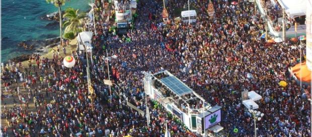 Salvador é conhecida como a cidade do carnaval e garante diversão aos foliões de plantão