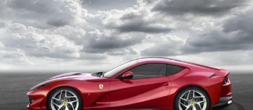 789bhp Ferrari 812 Superfast revealed as most powerful series ... - autocar.co.uk