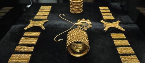 El polémico Tesoro del Carambolo pudo ser realizado de forma conjunta entre artistas fenicios y tartésicos