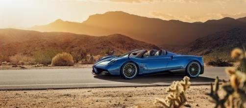 Image credit: Pagani Automobili SpA - Pagani Huayra Roadster - Side