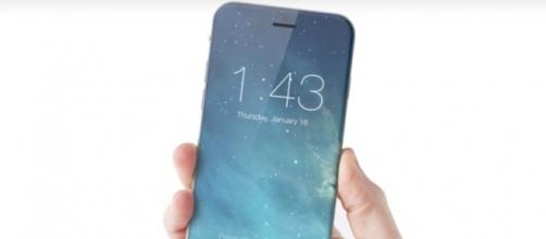 iPhone 8 con display da 5,8 pollici a più di 1000 dollari
