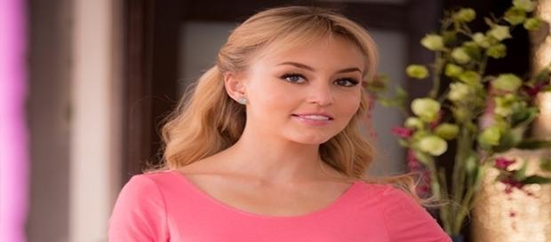 A atriz francesa que é sucesso nas novelas mexicanas