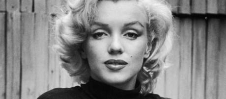 Rare Marilyn Monroe Photos - 15 Pictures of Marilyn Monroe - harpersbazaar.com