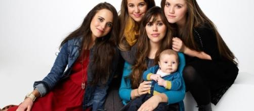 """Duggar girls promotional photo for """"Counting On"""""""
