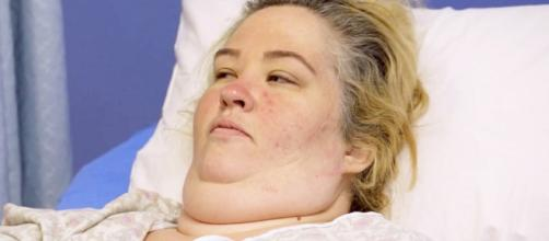 Mama June Breaks Down in Tears Before Weight Loss Surgery: Watch ... - usmagazine.com