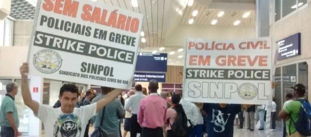 Protesto dos policiais no Aeroporto Tom Jobim (Foto: Divulgação/Sindicato da Polícia Civil)