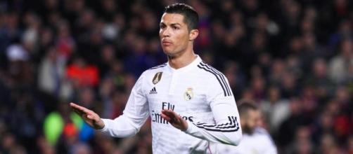Cristiano Ronaldo calme la nouvelle pépite du Real Madrid