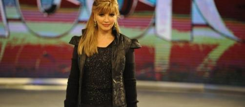 Milly Carlucci svela i nomi dei 13 concorrenti di Ballando con le stelle