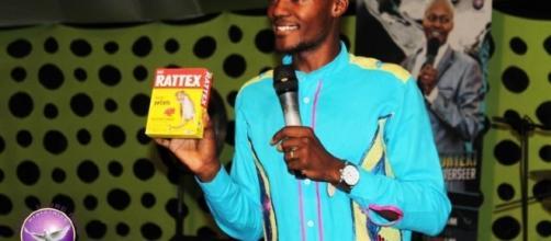 """Monyeki afirmou que beber a água misturada com Rattax traria """"alimento aos corpos e cura aos doentes"""""""