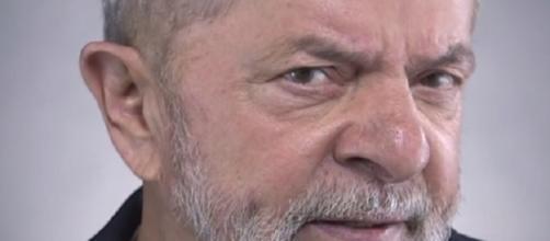 O Partido dos Trabalhadores divulgou o vídeo em suas páginas oficiais com Lula fazendo convocação