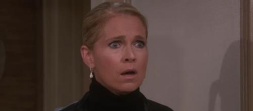 Who kisses Jennifer Horton on 'Days Of Our Lives?' - Image via Emmy Awards/Photo Screencap via NBC/YouTube.com