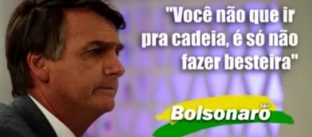 Na entrevista, Bolsonaro explica que o ocorrido em Espírito Santo prova que a desmilitarização não daria certo.