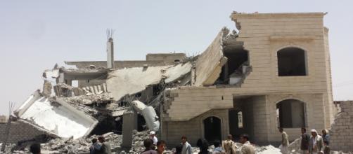 bombardamento yemen mocha taiz