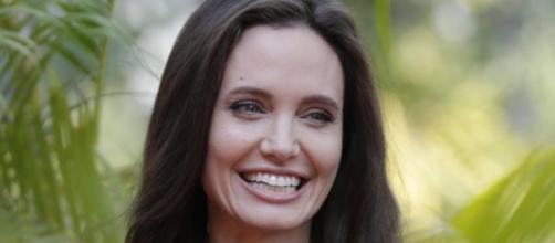 Dopo il divorzio, Angelina Jolie torna a sorridere - webdigital.hu
