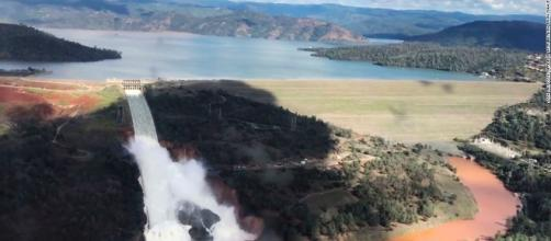Oroville Dam evacuations: Spillway could release 'wall of water ... - cnn.com